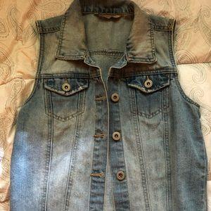 Cut Off Trendy Vest